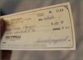 Depositing_checks